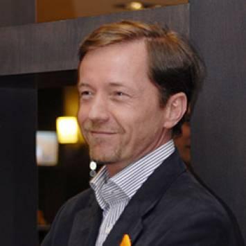 Steven BAK - Groupe Newhotel